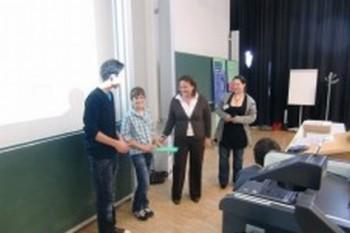 Preisübergabe an Schüler des Carl-Lämmle-Gymnasium